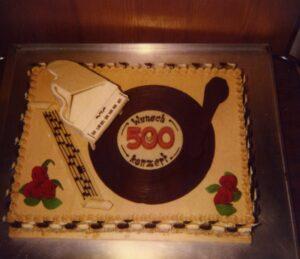 Zum 500. Wunschkonzert gab es damals eine entsprechend verzierte Geburtstagstorte.